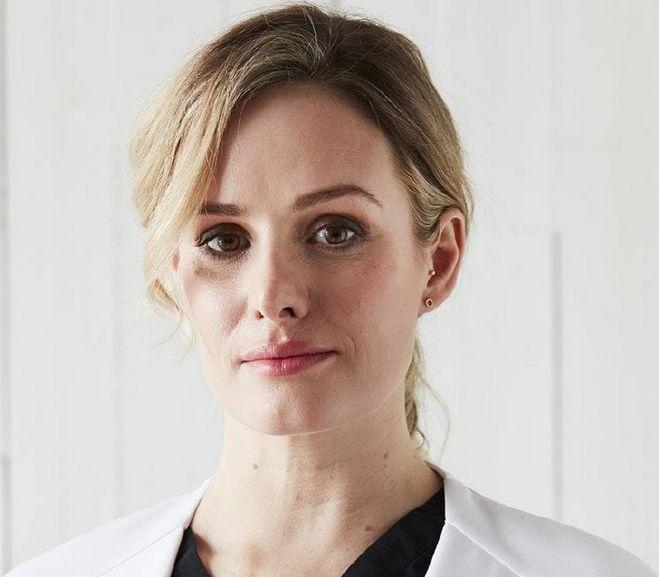 Dra. Nikki Stamp