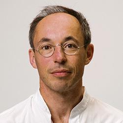 Wook.pt - James A. Levine
