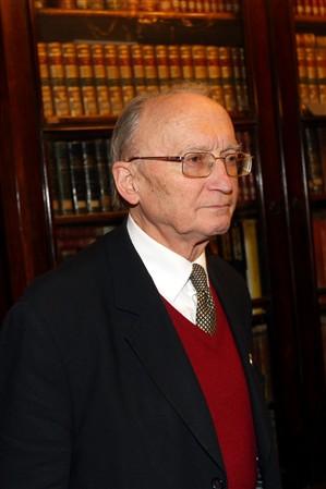 António Gentil Martins